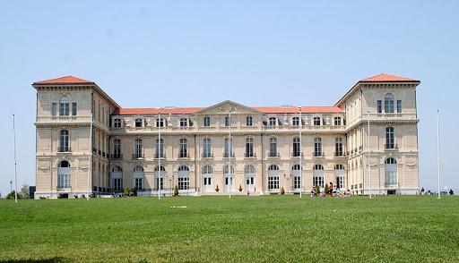 In 2019 Universitatea Aix-Marseille a produs peste 400 de lucrari stiintifice urmarite de Nature-index.